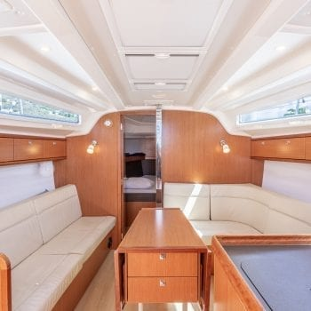 Bavaria Cruiser 37 Interior