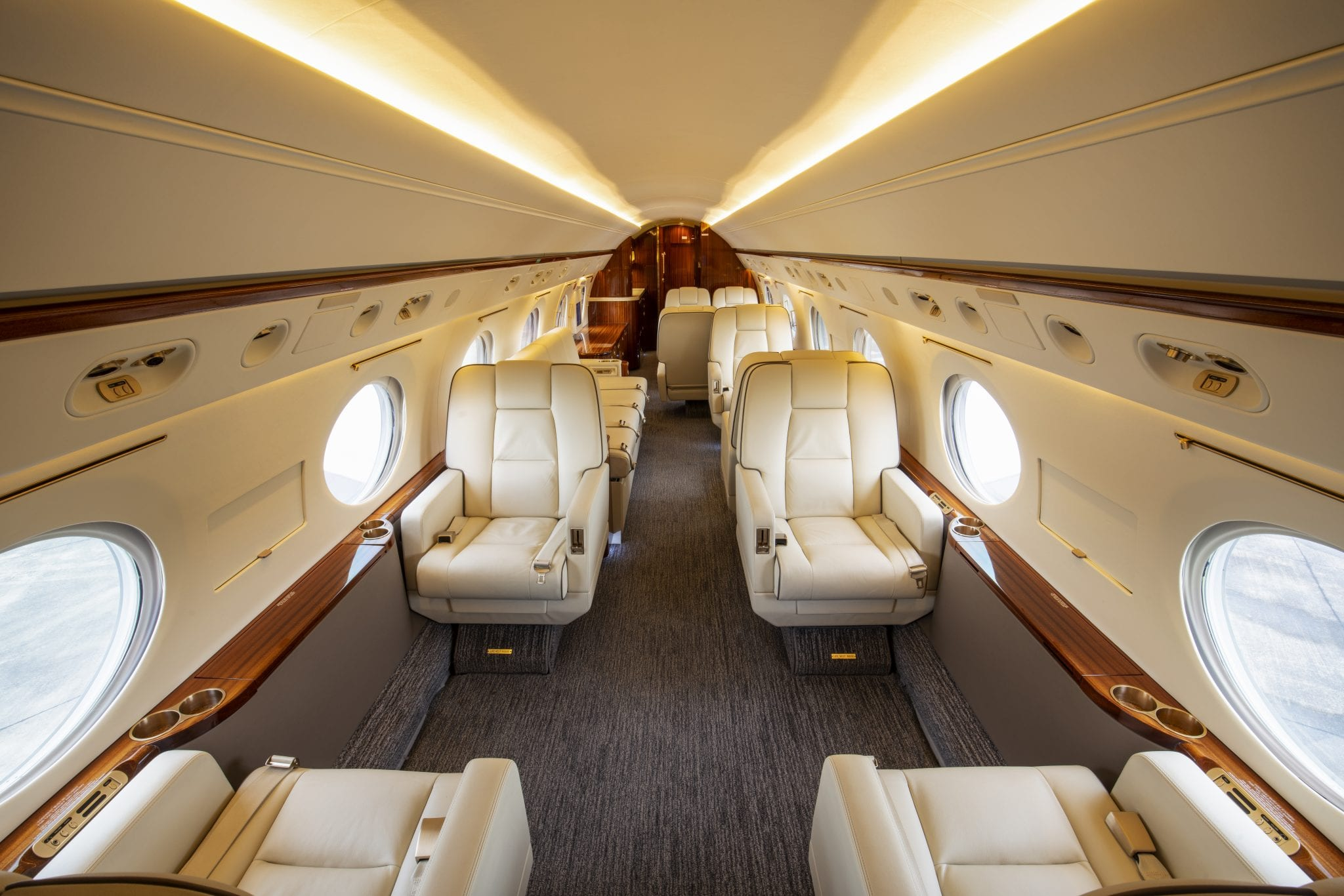 Private Jet Charters - Interior HI1025